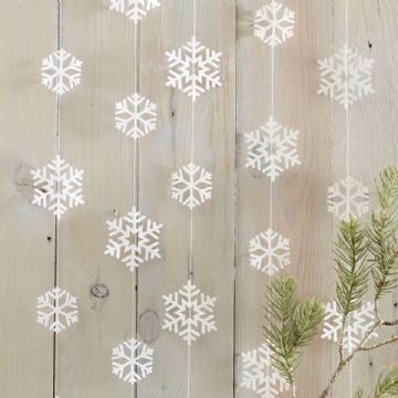 White Christmas Snowflake Garland